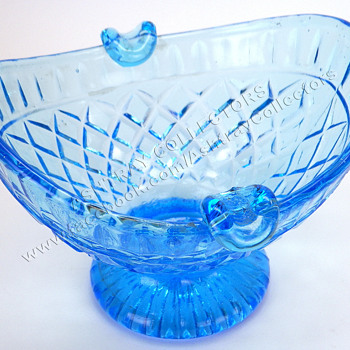 Blue Glass Bowl Type Ashtray - Tobacciana