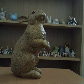 Golden bunny figure - Animals