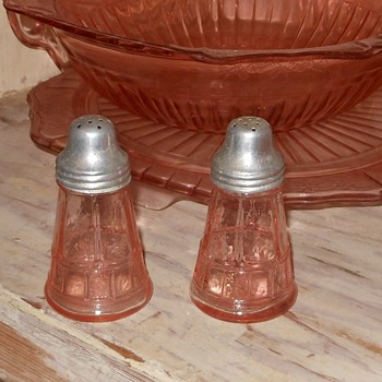 Depression Glass Salt and Pepper Shakers Doric Pattern by Jeanette Glass - Glassware