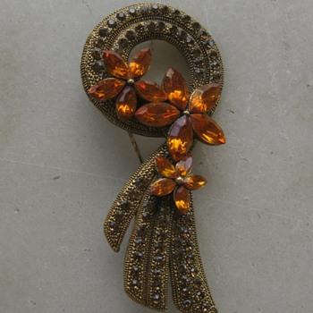 Gold rhinestone brooch - Costume Jewelry