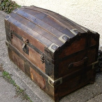 "32"" 1877+ Tooled Leather Victorian Barrel Stave Trunk  - Furniture"
