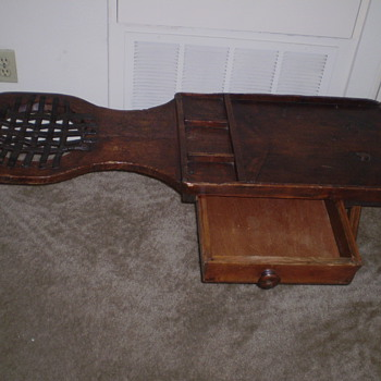EARLY AMERICAN COBBLER'S BENCH - Furniture