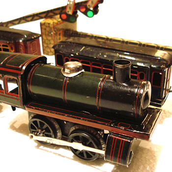 Karl Bub (KBN)  lithographed clockwork Locomotive with tender and two passenger carriages - Model Trains