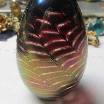 Art Glass egg paperweight  - Art Glass