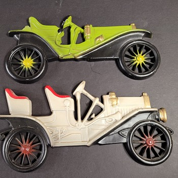 Midwest Metal Decorative Cars - Model Cars