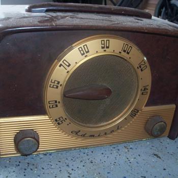 1950 Admiral radio Model 5E22