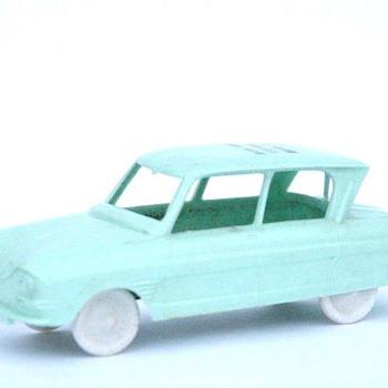 voiture en plastique SESAME CITROEN AMI 6 vers 1960.  - Model Cars
