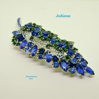D & E juliana brooch - Costume Jewelry