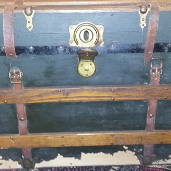 Junk Sale Find...Curious as to a date or any information... - Furniture