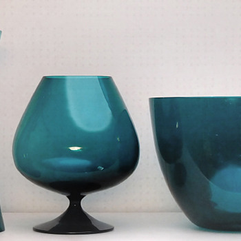 Candlesticks, cognac cup vase, bowl and vase in heliotrop color - Gunnar Ander for Lindshammar 1950s or -60s. - Art Glass