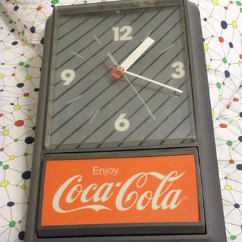 Coca Cola electric wall clock - Coca-Cola