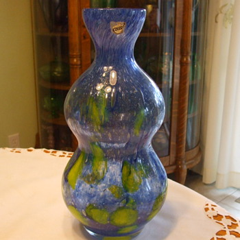 Another FLORA Flower Vase By PRACHEN Glassworks with BELFOR Label - Art Glass