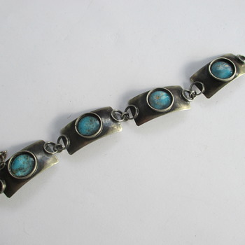Bracelet - Flea market find - Costume Jewelry
