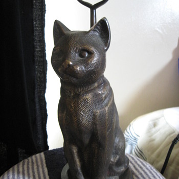 bronze cat statue hollow inside & handle on back - Animals