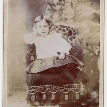 """""""GASBERG, UTAH """" CABINET CARD OF """"GORGEOUS LITTLE GIRL"""" 1901 - Photographs"""