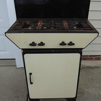 Antique 3 burner gas stove w/ oven - Kitchen