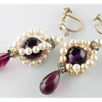 Earrings that teases me  - Costume Jewelry