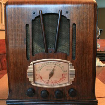 Motorola 5T Radio