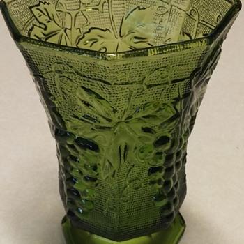 Anchor Hockings Vase - Glassware