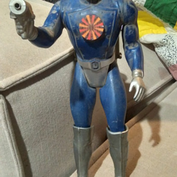 Unidentified Spaceman Toy: Need Info! - Toys