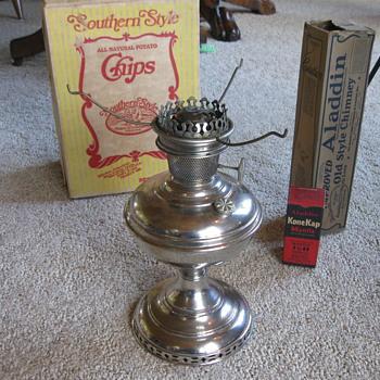 ALADDIN MODEL #6 OIL LAMP 1915-16 - Lamps