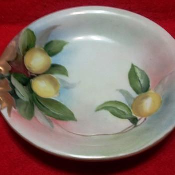 "Gräflich Thun'sche Porzellanfabrik Klösterle (Count Thun factory) Floral Handled Porcelain Dish.  5"" Diameter  - Pottery"