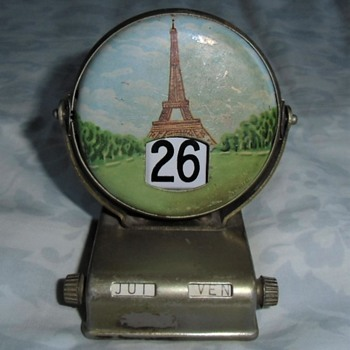 Antique Desk Top Small Paris Souvenir Perpetual Calendar - Advertising