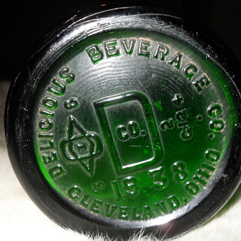 Delicious Beverage Co,  1938  out of Cleveland, ohio - Bottles