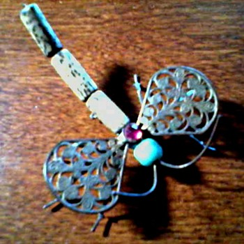 "Unusual ""Mixed Media"" Wire Dragonfly Pin/ Unknown Maker and Age - Costume Jewelry"