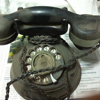 My Grandmother´s Phone - Telephones