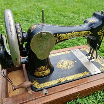 Vintage Singer Sewer - Sewing