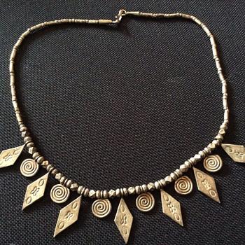 Vintage slid silver bib style necklace - Costume Jewelry