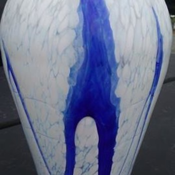 Ales Valner Glass Vase (valnerglass.com)  - Art Glass