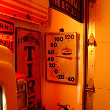 Original..Standard Oil...Thermometer - Advertising