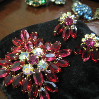 Juliana D & E. Circa 1960's.  - Costume Jewelry
