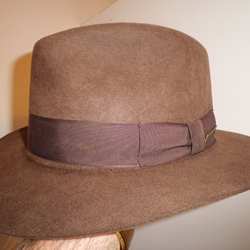 ok aint that old but Indiana Jones fedora !! - Hats