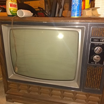 1976 sears tv still a bit unknown on this one : work in progress  - Electronics
