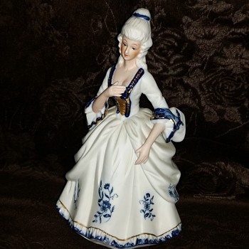 Sophisticated lady - Figurines