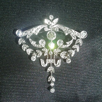 Please help me identify this brooch pendant - Fine Jewelry