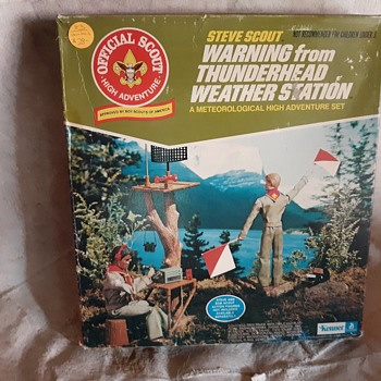 Kenner Steve Scout Warning from Thunderhead Weather Station Playset 1974 - Sporting Goods
