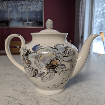 Teapot with iridescent, blue flowers - China and Dinnerware