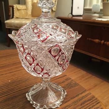 Pretty candy dish - Glassware