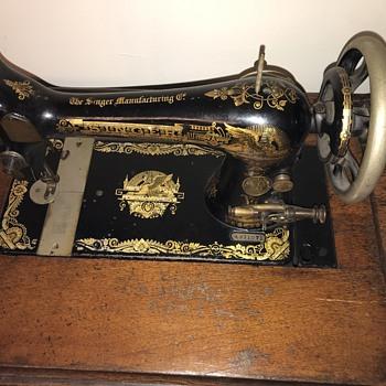 Vintage singer sewing machine  - Sewing