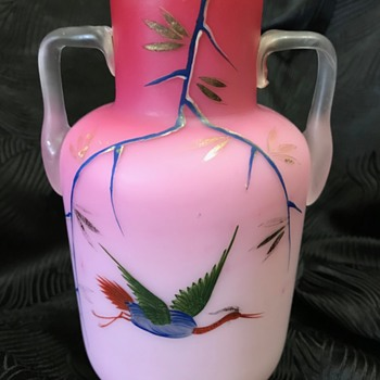 """Victorian """"Peachblow"""" type cased glass vase with hand painted decoration - Art Glass"""