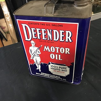 Defender motor oil 2 gallon oil can  - Petroliana