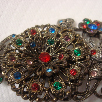 Filigree brooch - Costume Jewelry