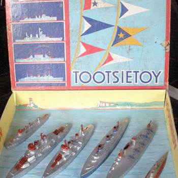 Tootsietoy Navy set 5750 boxed! Battleship, Crusier, Sub and more! - Toys