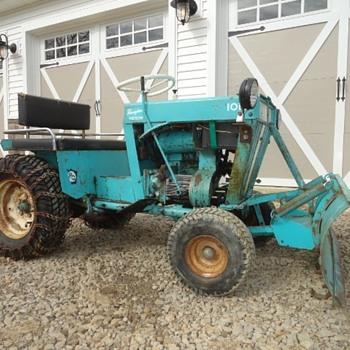 Mid 60's Pennsylvania Panzer Meteor Lawn & Garden Tractor - Tractors