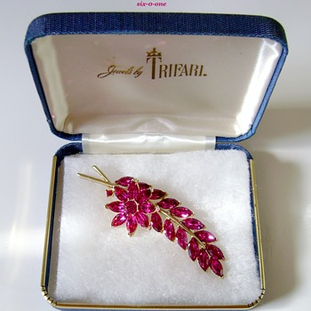 Trifari Flower Leaf Brooch - Costume Jewelry
