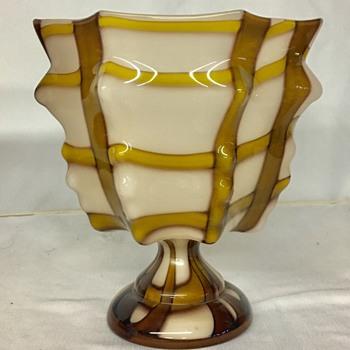 Kralik - Knuckle vase  - Art Glass